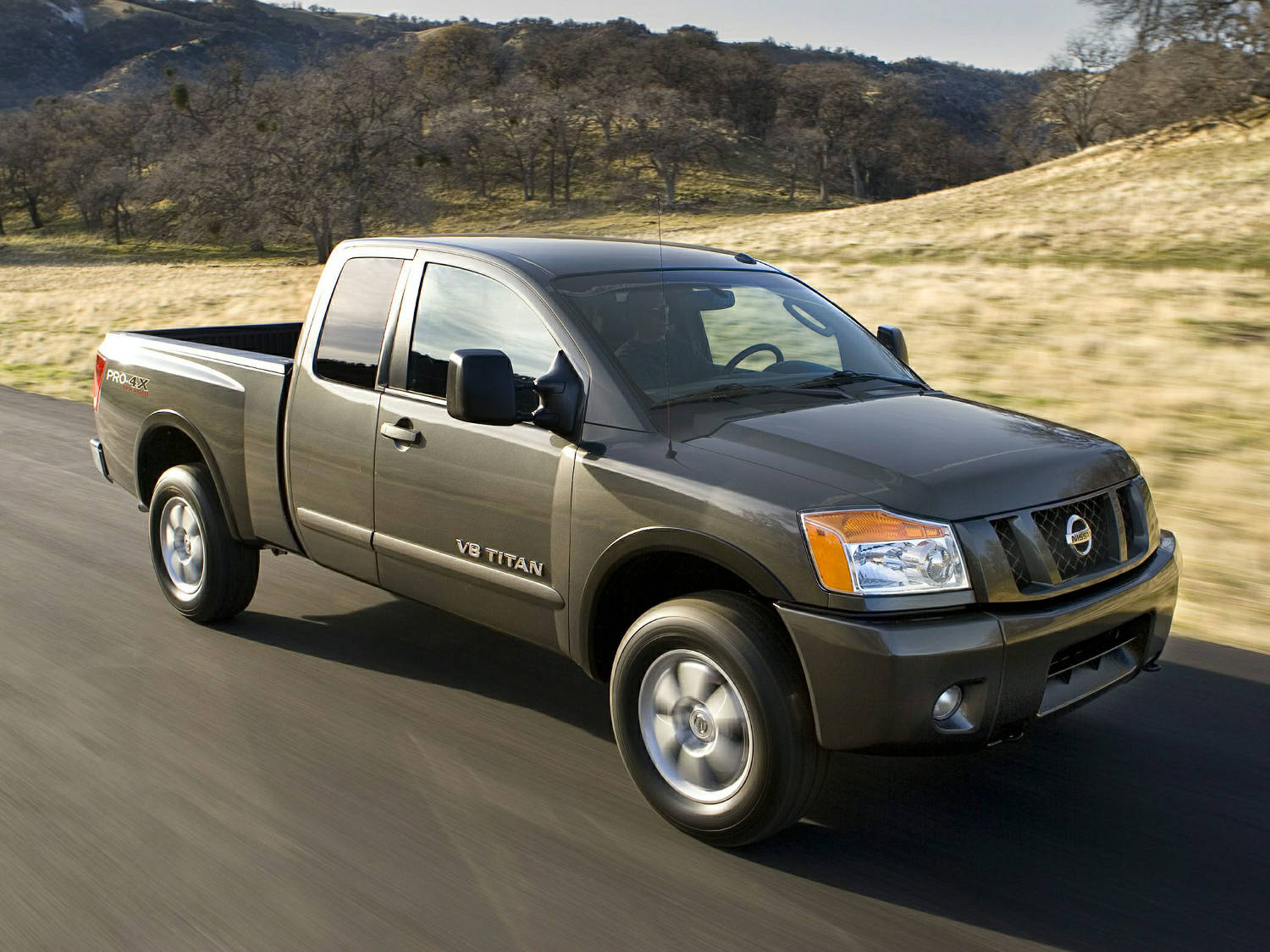 platinum titan vs nissan armada comparison distance king sv cab