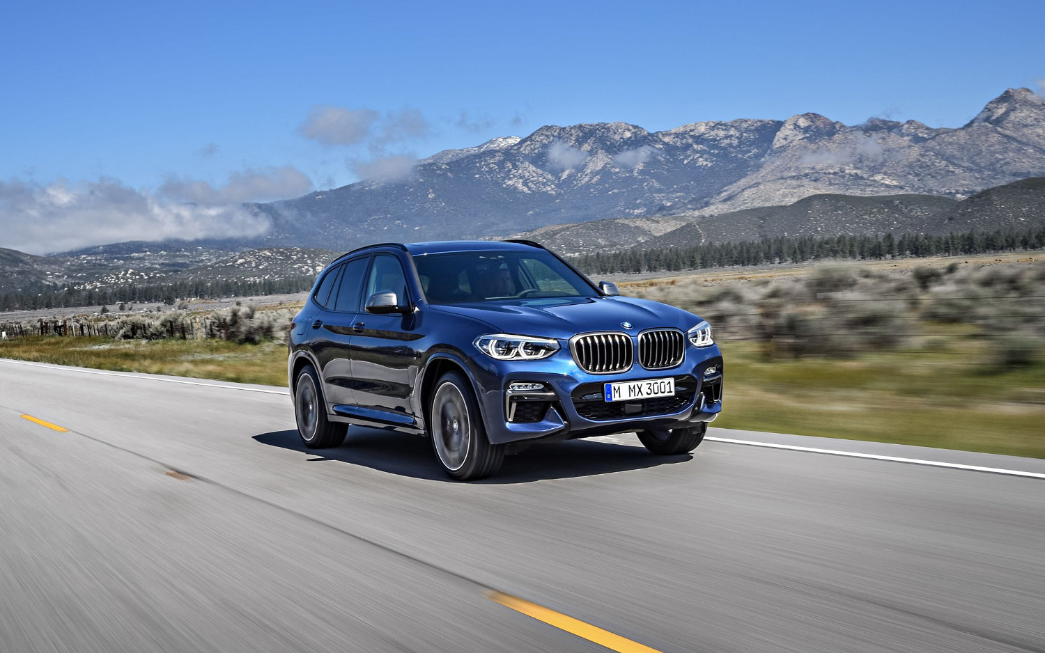 comparison bmw x3 m40i 2018 vs land rover range. Black Bedroom Furniture Sets. Home Design Ideas