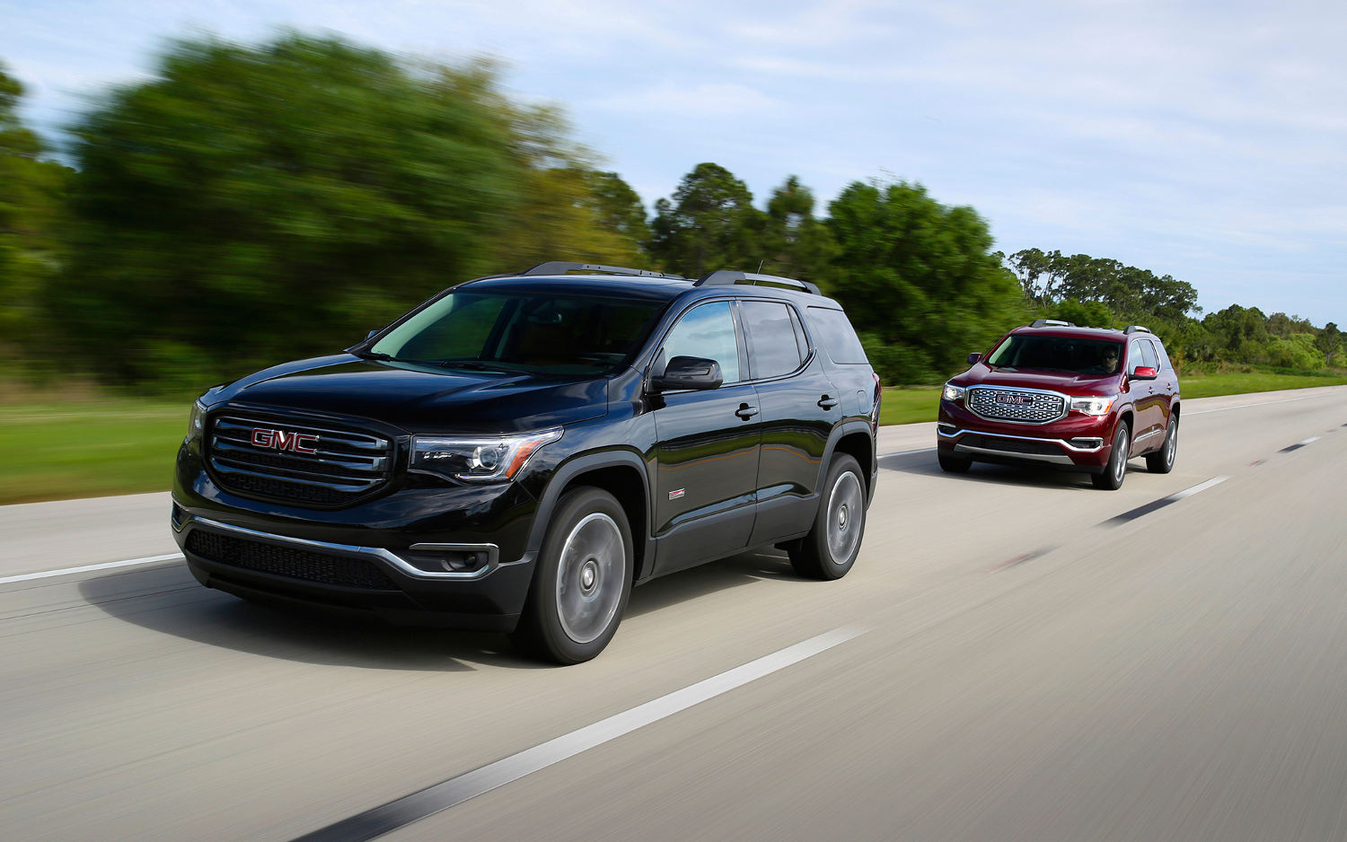Comparison - GMC Acadia Limited 2017 - vs - Ford Explorer ...