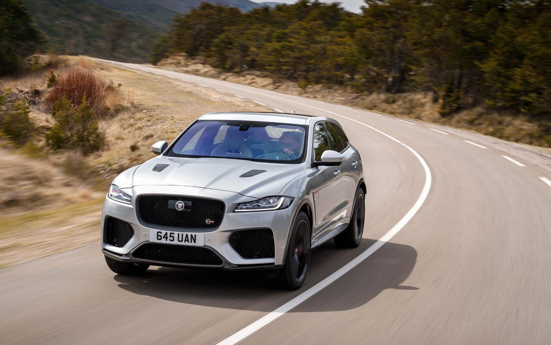 Comparison - Jaguar F-Pace SVR 2020 - vs - Land Rover ...