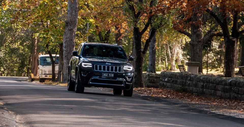 comparison jeep grand cherokee 2016 vs maserati levante s 2017 suv drive. Black Bedroom Furniture Sets. Home Design Ideas