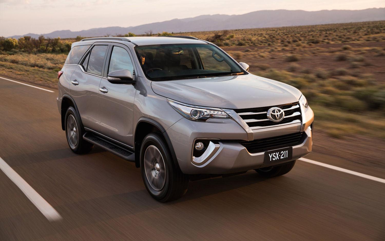 Comparison - Toyota Fortuner Crusade 2017 - vs - Land ...