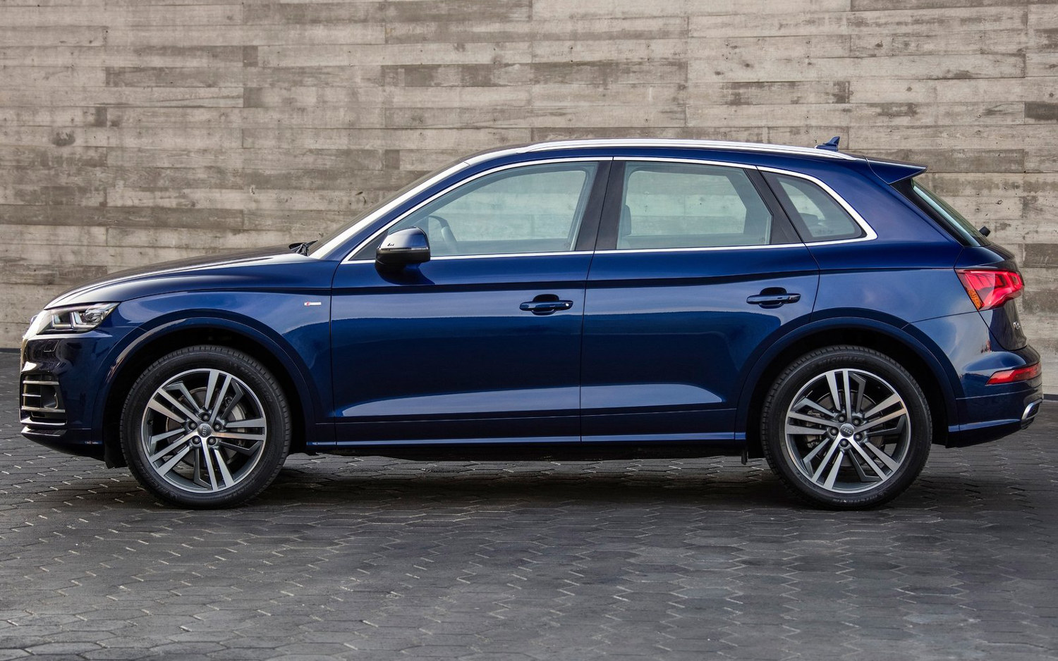 Side View Audi Q Suv