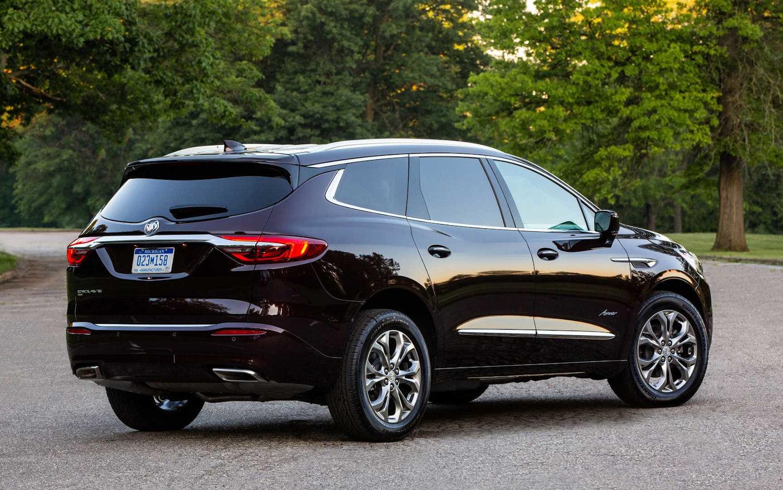 Comparison - Buick Enclave Avenir 2020 - vs - Dodge Durango Citadel 2020 | SUV Drive