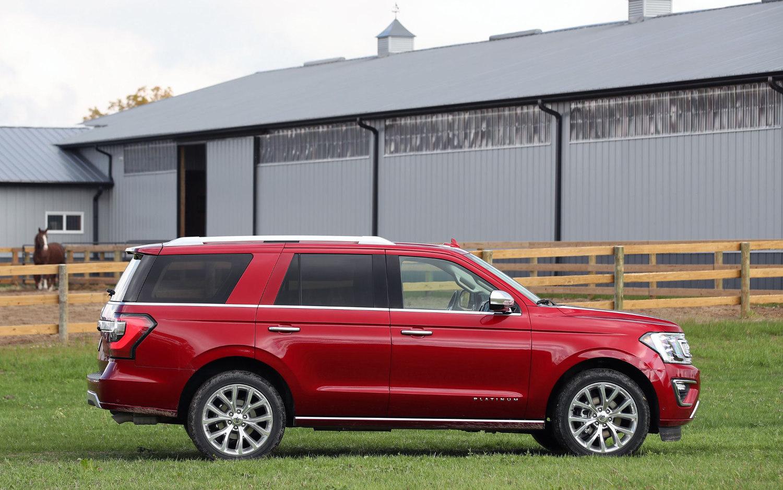Ford Excursion 2015 >> Comparison - Ford Expedition Platinum 2018 - vs - Rolls-Royce Cullinan 2018 | SUV Drive