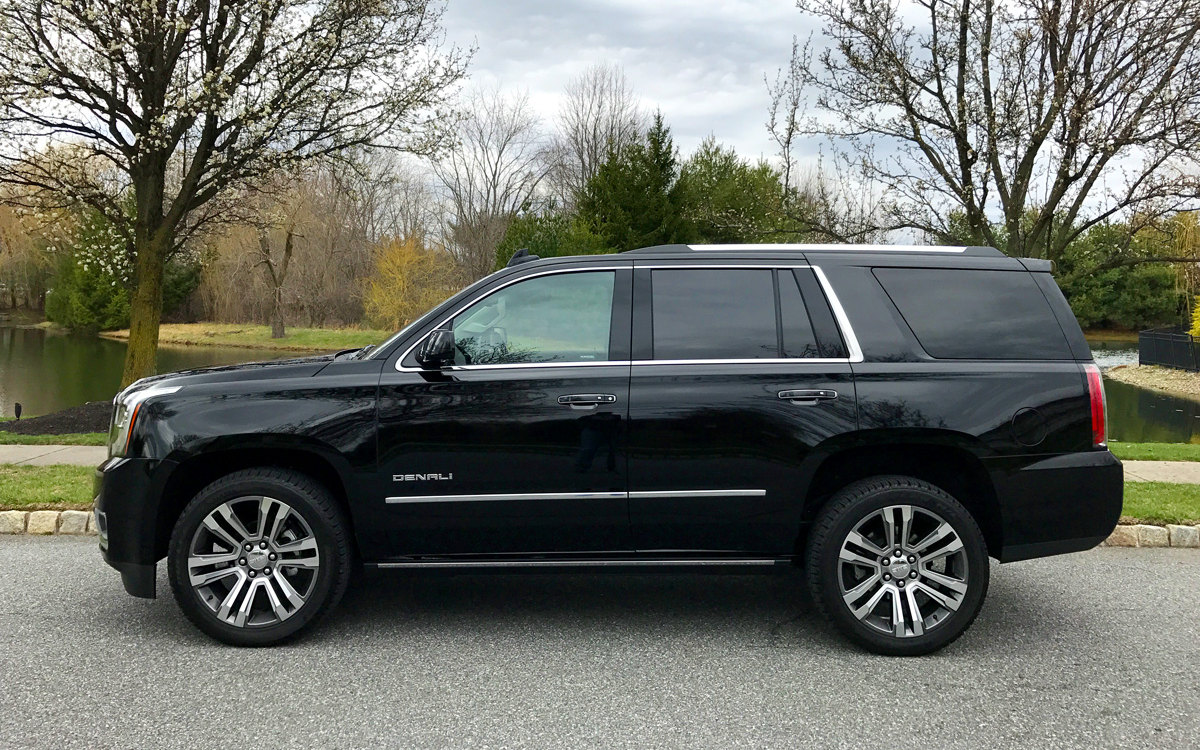 Comparison - Mercedes-Benz GLS-Class 63 AMG 2018 - vs - GMC Yukon Denali 2017 | SUV Drive