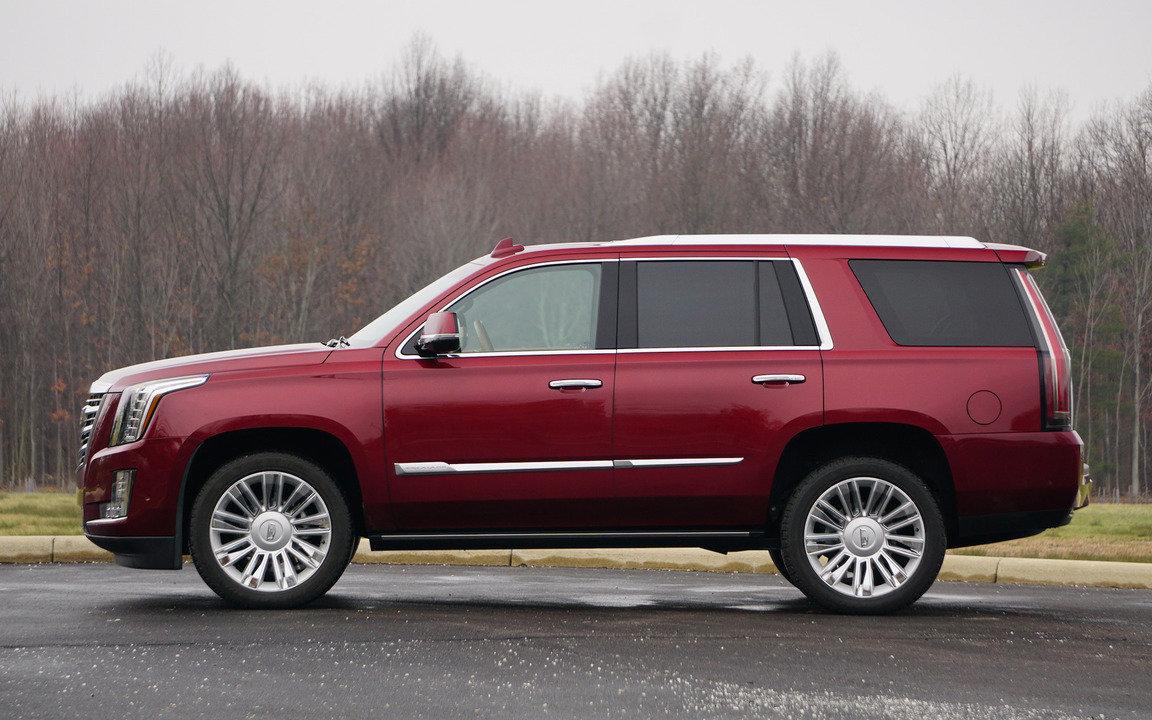 Comparison Cadillac Escalade Luxury 2017 Vs Gmc