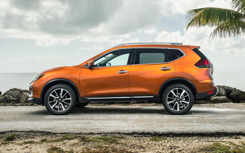 Comparison - Nissan Kicks SR 2018 - vs - Nissan Rogue 2017 ...