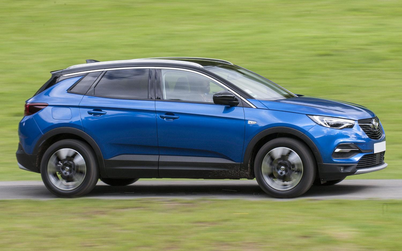 Comparison - Buick Enclave Avenir 2018 - vs - Vauxhall ...