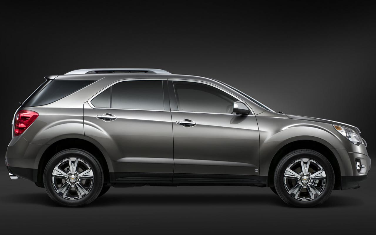 Ix35 Vs Santa Fe >> Comparison - Chevrolet Equinox SUV 2015 - vs - Hyundai Tucson SE 2016   SUV Drive
