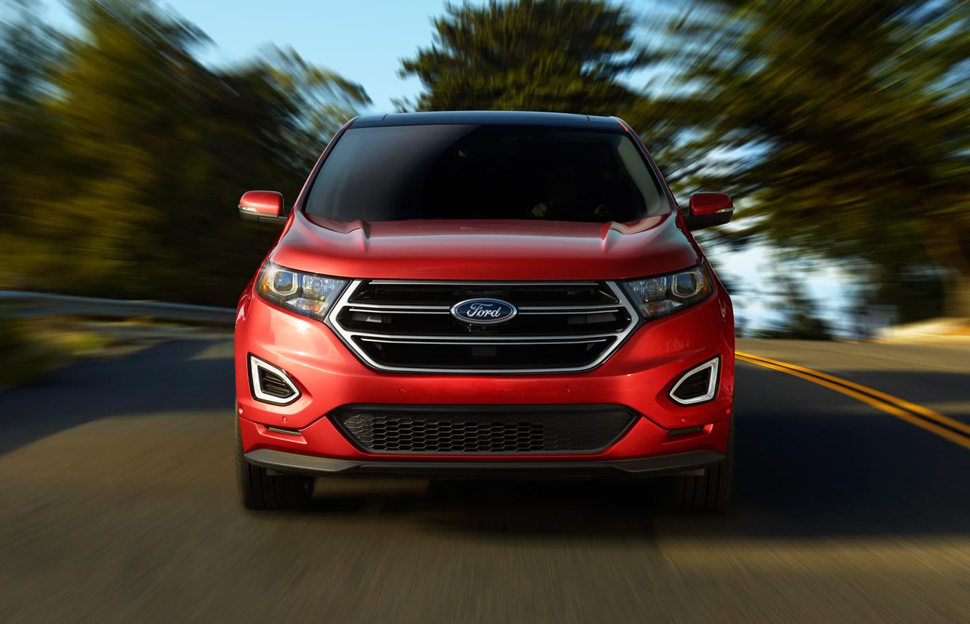 Comparison  Ford Edge Sport 2015  vs  Chevrolet Equinox SUV