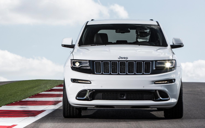 Jeep Grand Cherokee Srt 2015 Suv Drive