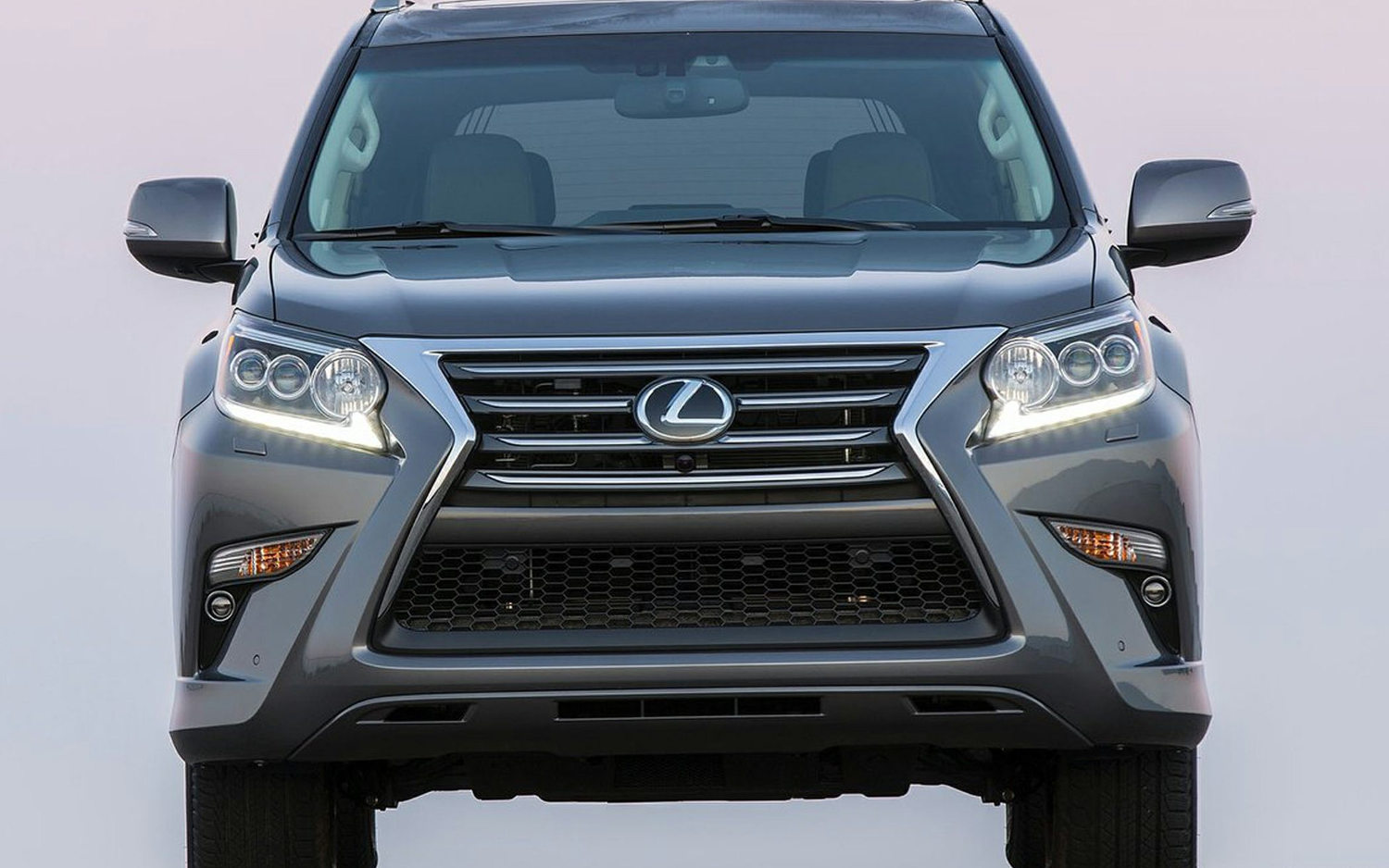 Comparison - Lexus GX 460 Luxury 2017 - vs - Lexus LX 570