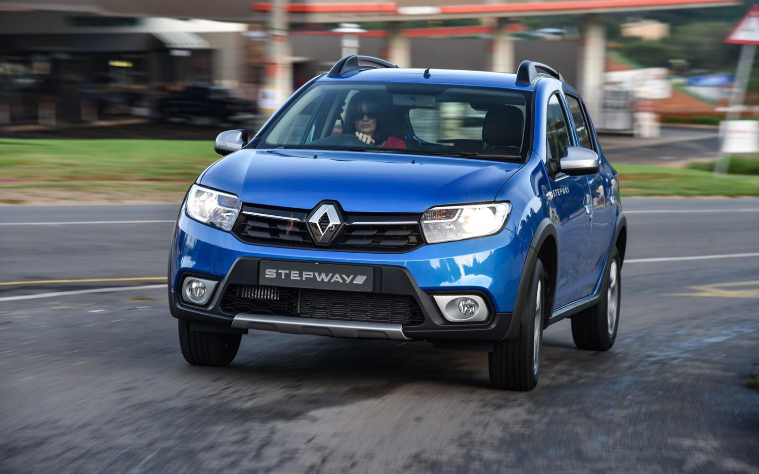 comparison - dacia sandero stepway se summit 2017 - vs