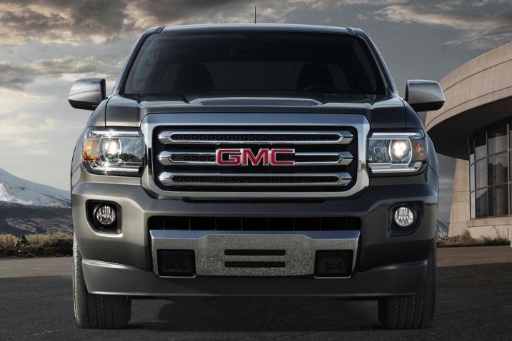 Comparison - GMC Canyon Crew Cab SLT 2015 - vs - Ram 2500 ...