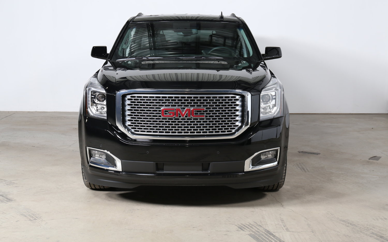 Comparison - GMC Yukon XL Denali 2017 - vs - Chevrolet ...