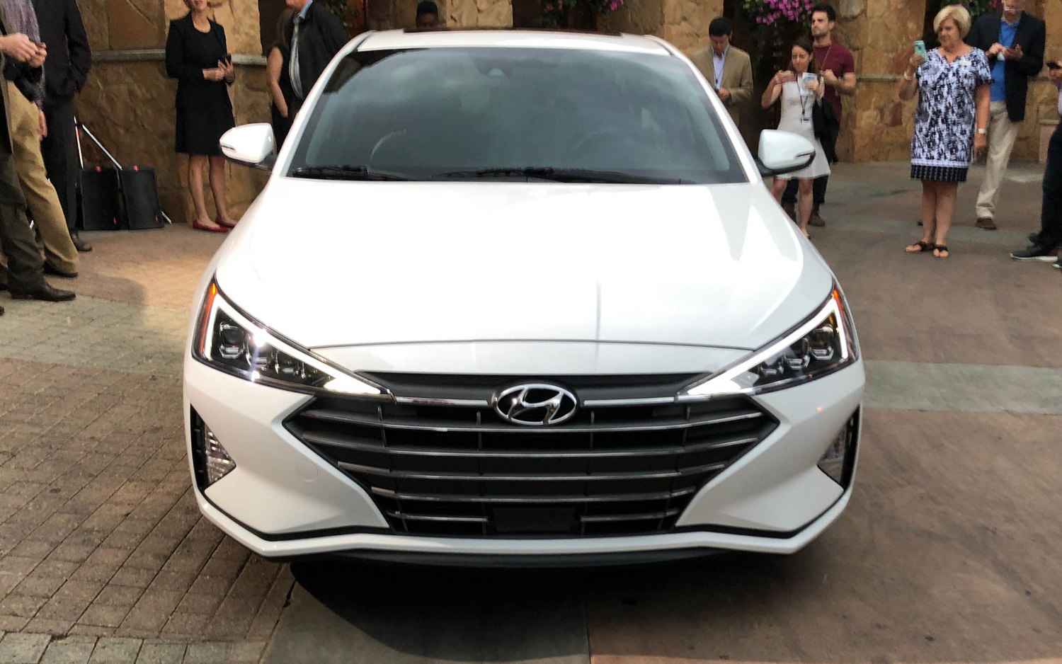 Toyota Suv Names >> Comparison - Mazda 6 Touring 2018 - vs - Hyundai Elantra ...