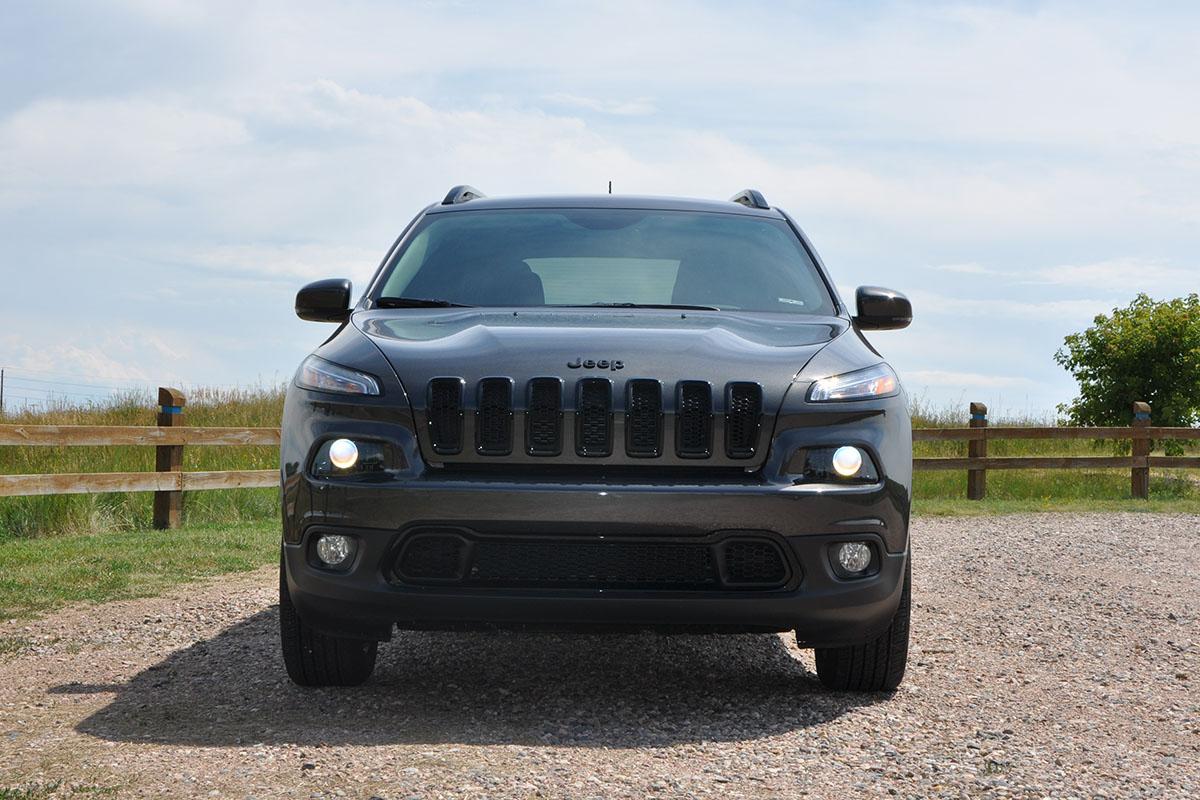 Comparison - Jeep Cherokee 2015 - vs - Nissan Pathfinder ...