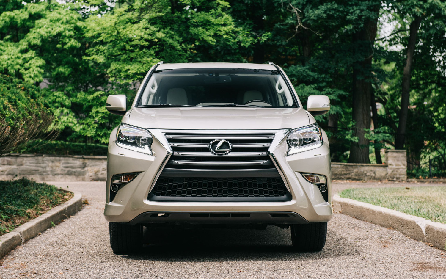 Comparison - Lexus GX 460 Luxury 2018 - vs - Lexus RX 350 F