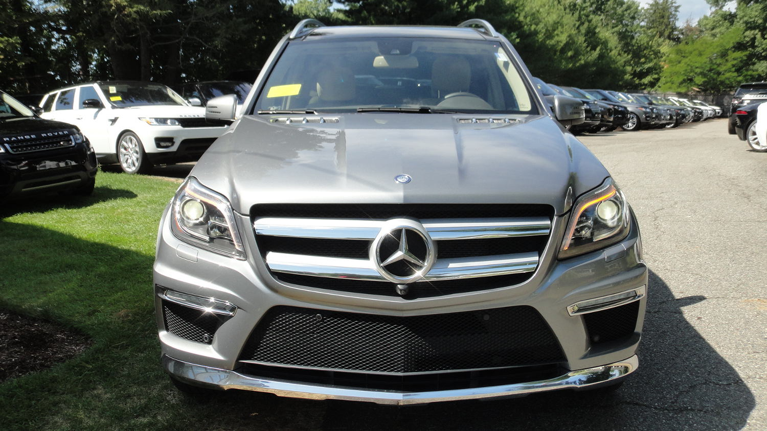 Comparison mercedes benz gl class gl63amg 2015 vs for 2015 mercedes benz gl