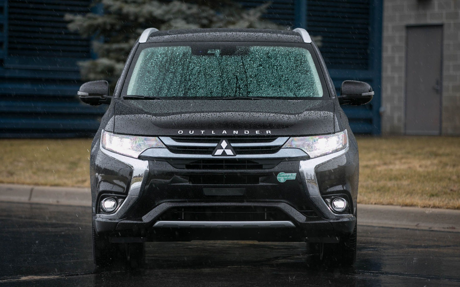Comparison - Mitsubishi Outlander PHEV GT 2018 - vs ...
