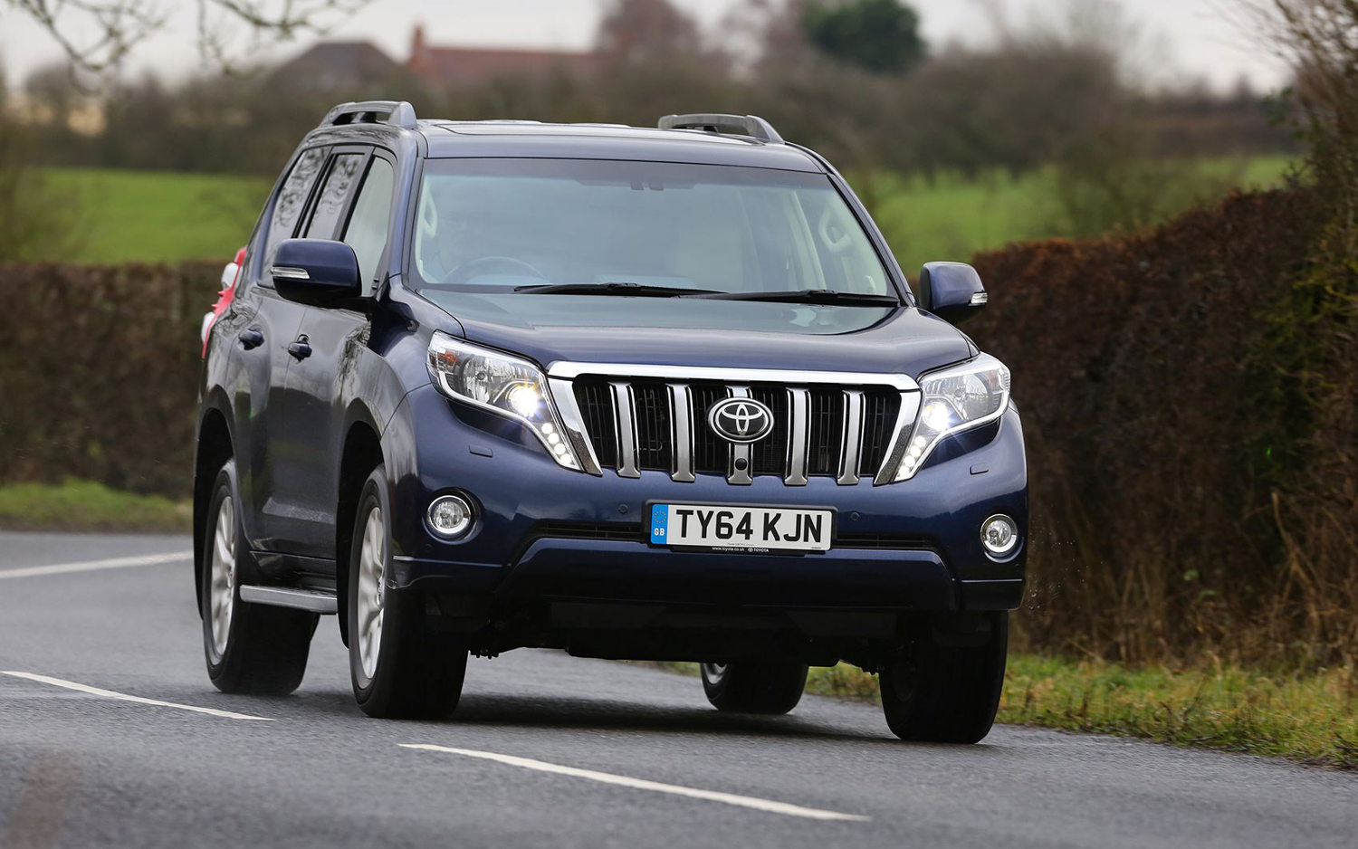 Comparison Toyota Land Cruiser Prado 2015 Vs Toyota