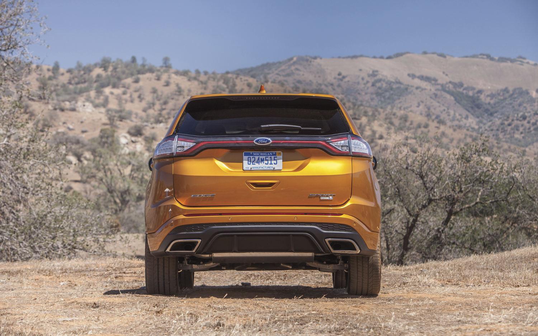 Ford Edge Vs Ford Escape >> Comparison - Toyota RAV4 SE 2017 - vs - Ford Edge Sport ...