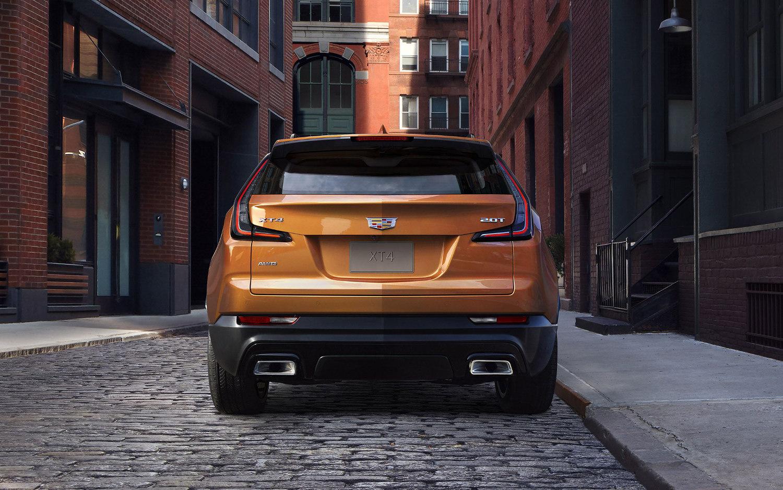 Comparison Chevrolet Equinox Lt 2018 Vs Cadillac Xt4