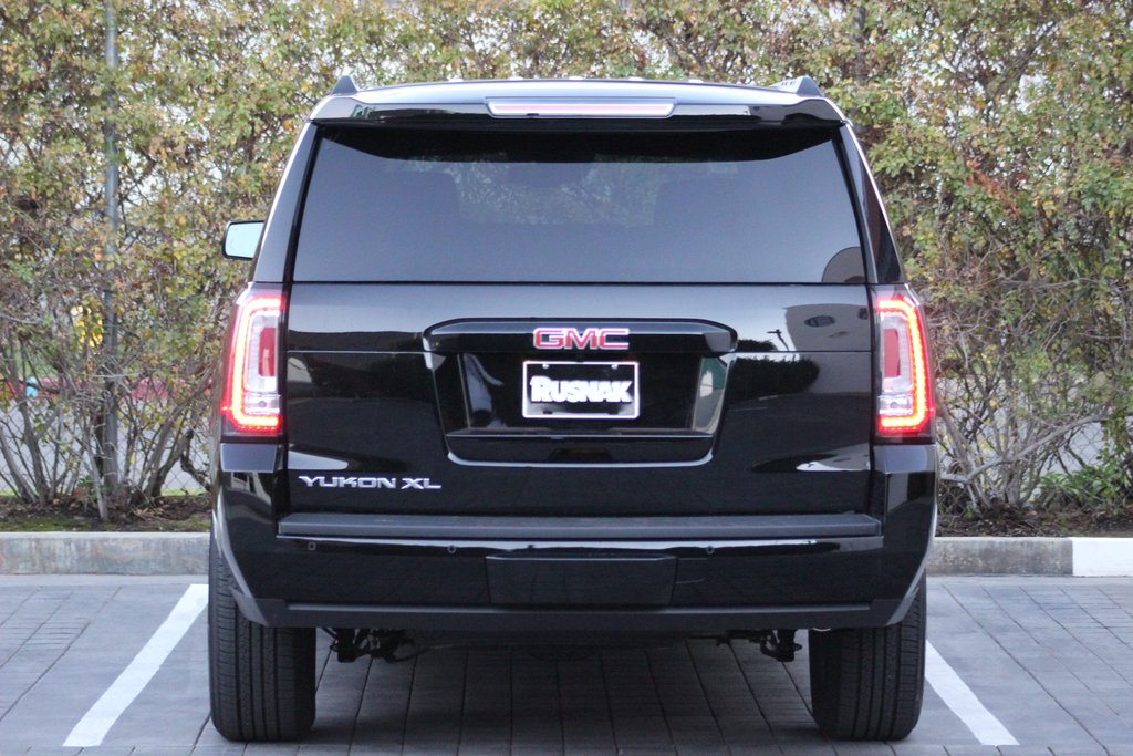 comparison gmc yukon xl 2016 vs cadillac escalade. Black Bedroom Furniture Sets. Home Design Ideas