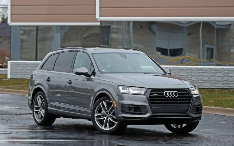 Comparison Buick Enclave Avenir 2018 Vs Audi Q7