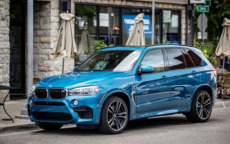 Comparison Bmw X5 M 2017 Vs Bmw X5 M Awd 2018 Suv