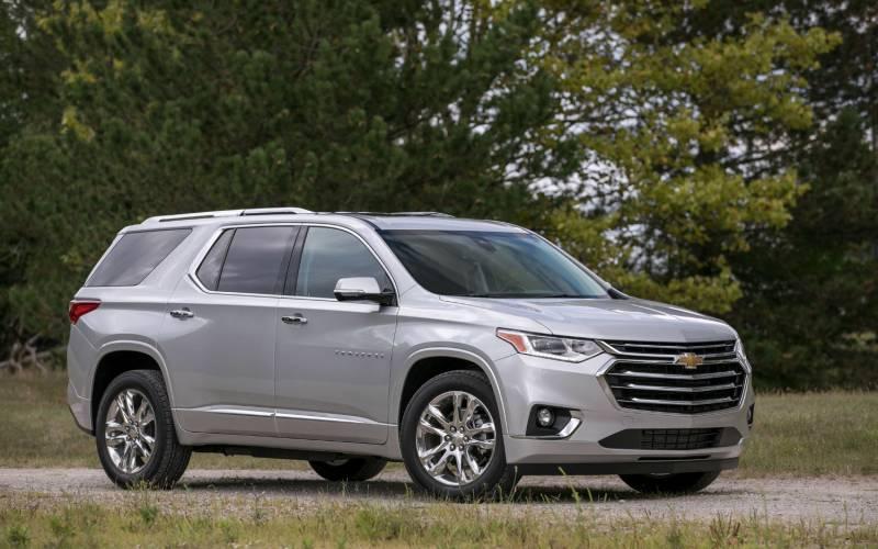 Ford Explorer Vs Chevy Traverse >> Comparison - Chevrolet Traverse High Country 2018 - vs - Ford Explorer Sport 2017 | SUV Drive