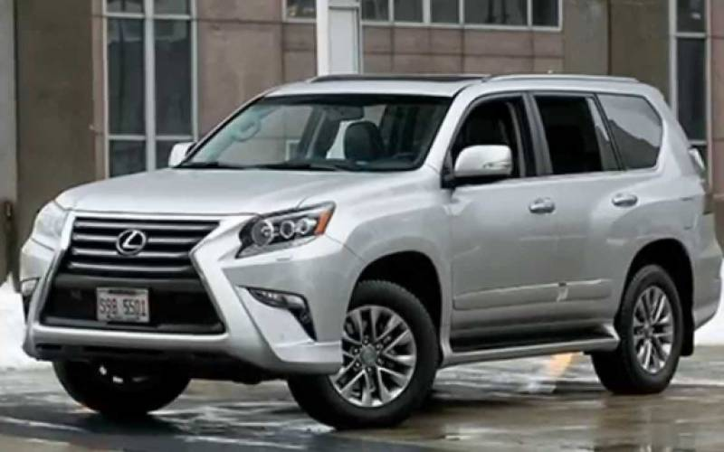 comparison lexus gx 460 luxury 2015 vs land rover discovery 5 hse 2017 suv drive. Black Bedroom Furniture Sets. Home Design Ideas