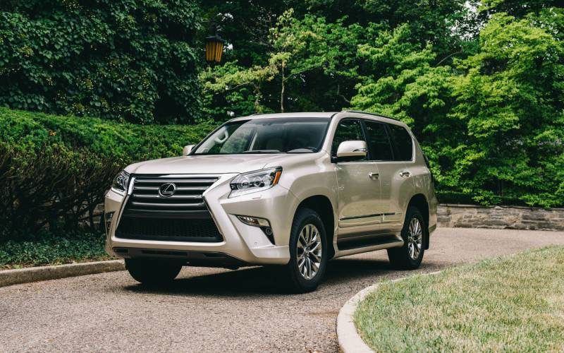 comparison lexus gx 460 luxury 2018 vs porsche cayenne platinum 2019 suv drive. Black Bedroom Furniture Sets. Home Design Ideas