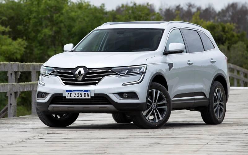 Comparison - Renault Koleos Life 2018 - vs - Honda CR-V ...