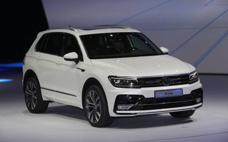 Comparison Volkswagen Tiguan Sel 2017 Vs Jeep Cherokee