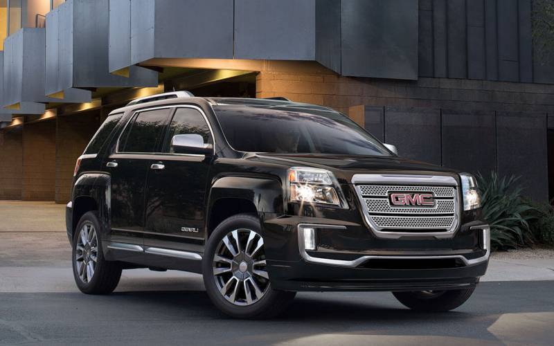 Comparison - GMC Terrain Denali 2017 - vs - Chevrolet ...