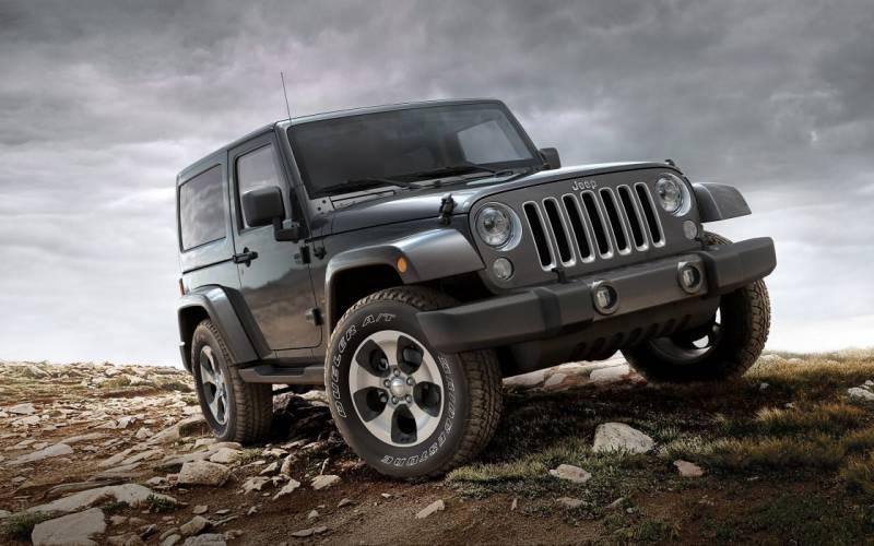 comparison jeep wrangler unlimited rubicon hard rock convertible 2017 vs land rover range. Black Bedroom Furniture Sets. Home Design Ideas