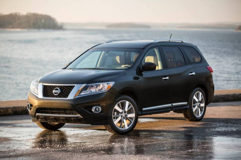 Comparison Nissan Pathfinder 2016