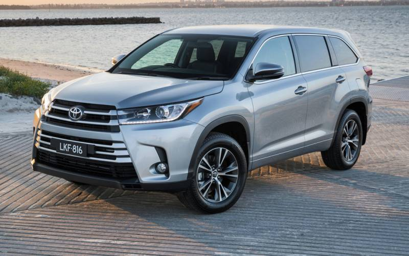 2017 Hyundai Santa Fe Seating Capacity 7 >> Toyota Kluger Grande 2017 | SUV Drive