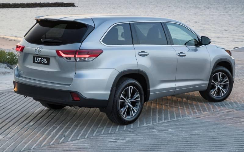 Comparison - Toyota Kluger Grande 2019 - vs - Volkswagen ...