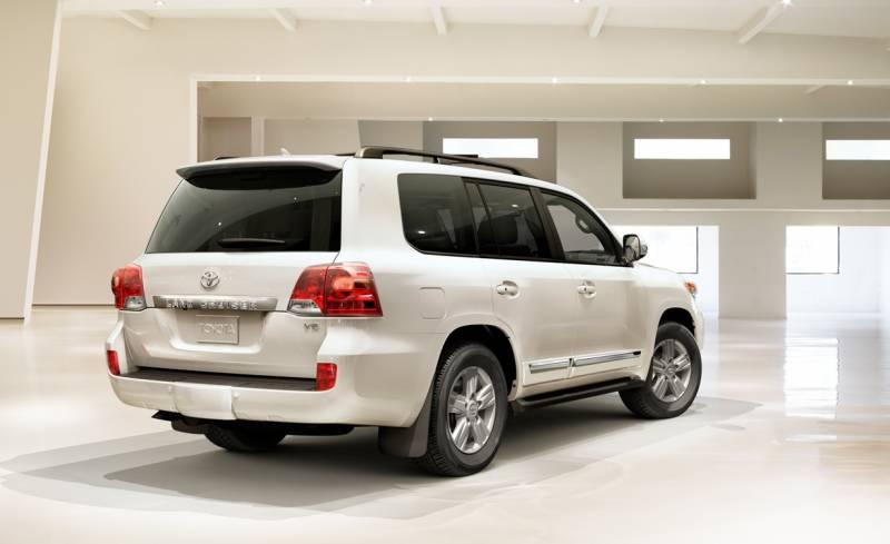 Toyota Suv Names >> Comparison - Toyota Sequoia Limited 2015 - vs - Toyota Land Cruiser 2015 | SUV Drive