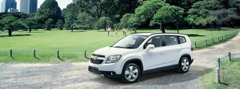 Comparison Chevrolet Orlando 2 0 Vcdi 163 Ltz 2016 Vs Chevrolet Tracker 2015 Suv Drive