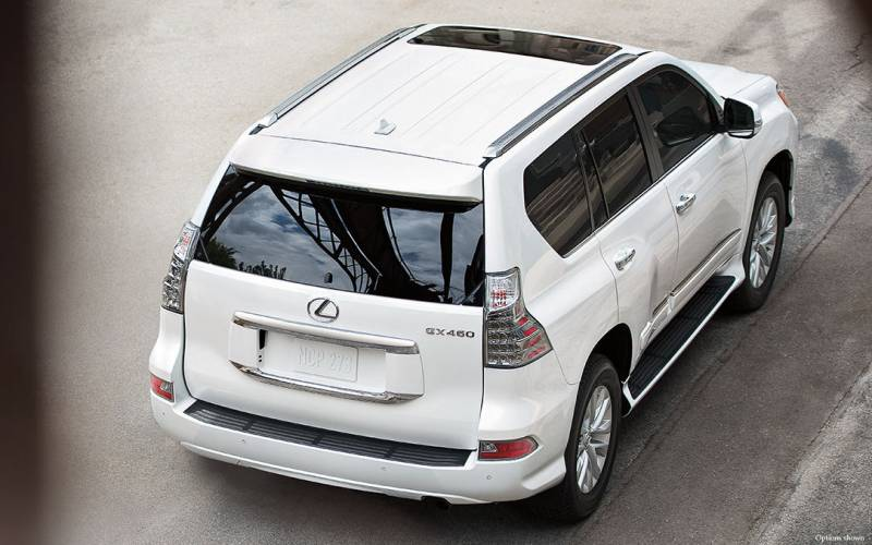 comparison lexus gx 460 luxury 2017 vs toyota highlander le 2017 suv drive. Black Bedroom Furniture Sets. Home Design Ideas