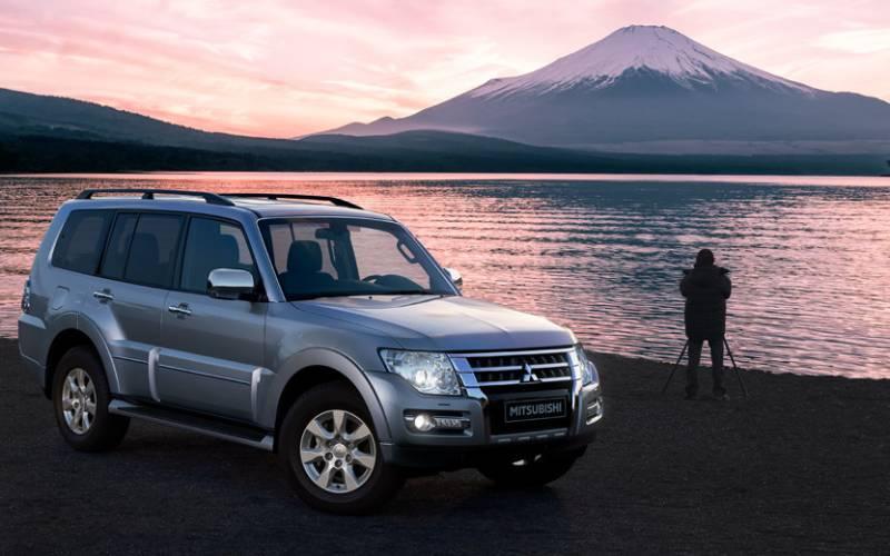 Comparison - Subaru Ascent Premium 2019 - vs - Mitsubishi ...