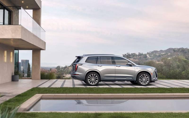 Comparison - Cadillac XT6 Sport 2020 - vs - Buick Enclave Avenir 2019 | SUV Drive