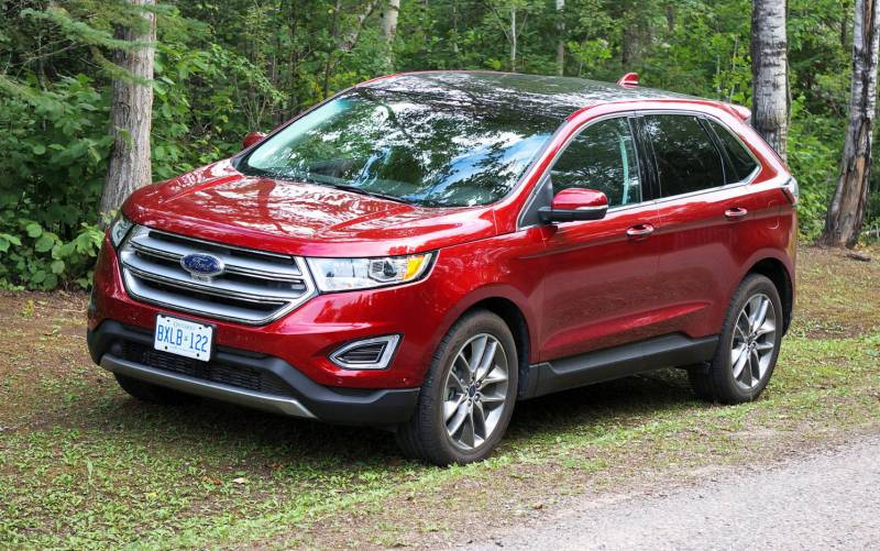 comparison ford edge sport 2015 vs chevrolet equinox. Black Bedroom Furniture Sets. Home Design Ideas