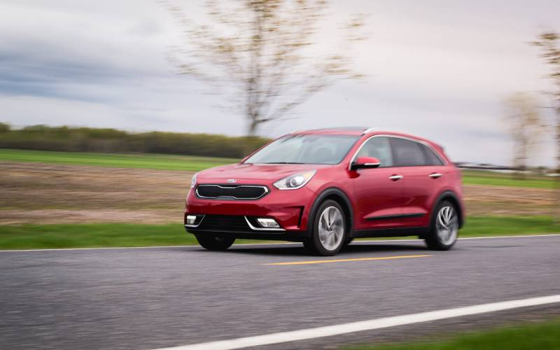 kia niro hybrid 2017 suv drive. Black Bedroom Furniture Sets. Home Design Ideas