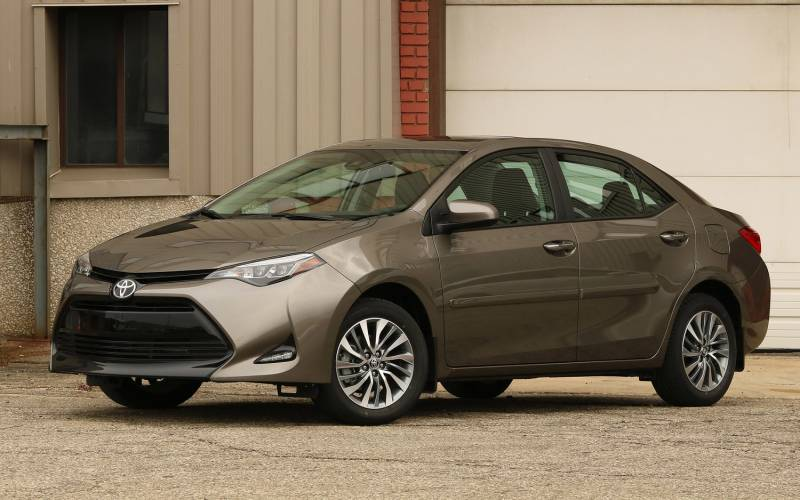 toyota corolla and bmw 3 series The 2018 toyota corolla adds a leather-wrapped steering wheel for the se and xle trims all models get an illuminated sunvisors for the driver and front passenger the corolla im hatchback models .