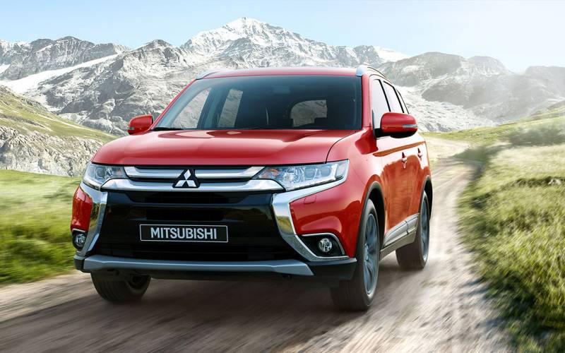 Comparison Mitsubishi Outlander Phev 5hs Hybrid 2017